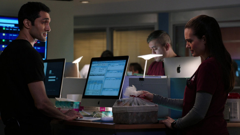 Apple iMac Computers in Chicago Med S06E11 (2)