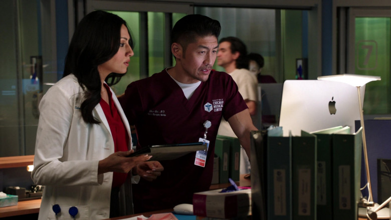 Apple iMac Computers in Chicago Med S06E11 (4)
