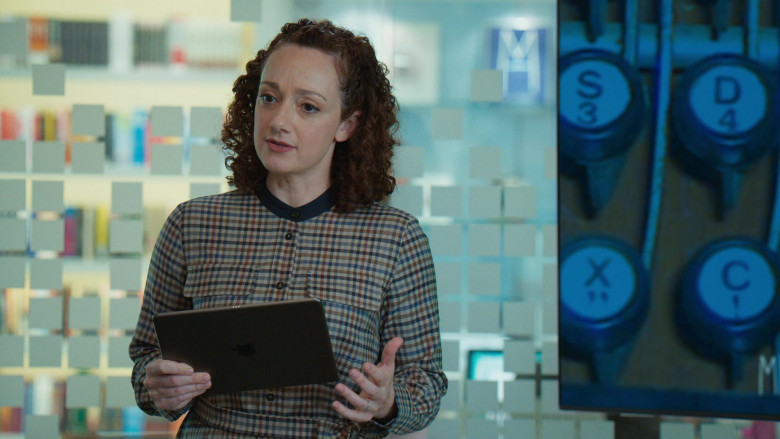 Apple iPad Tablet in Younger S07E01 (1)