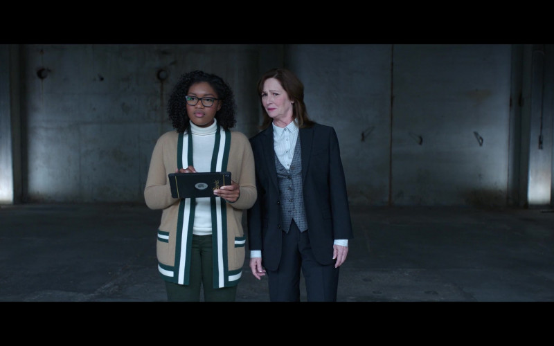 Apple iPad Tablet of Taylor Mosby as Tracy in Thunder Force (5)