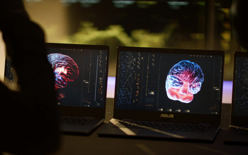 Asus Laptop in Black Lightning S04E07 Painkiller (2021)