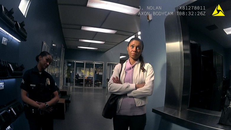 Axon Bodycams Used by Police Officers in The Rookie S03E09 TV Show (1)