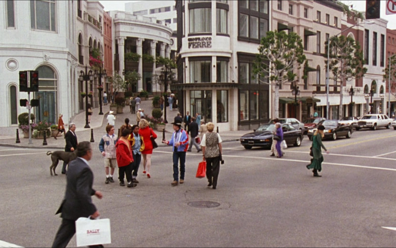 Bally Clothing Store Paper Bag in D2 The Mighty Ducks (1994)