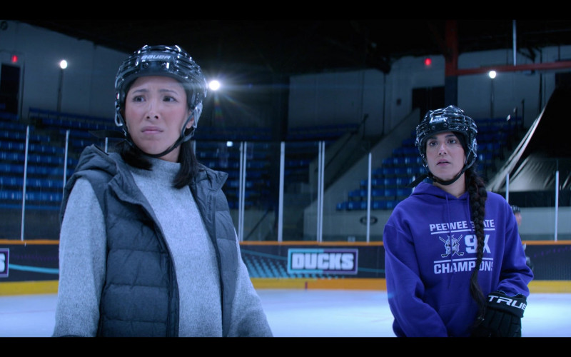 Bauer Hockey Helmets in The Mighty Ducks Game Changers S01E04 Hockey Moms (2021)