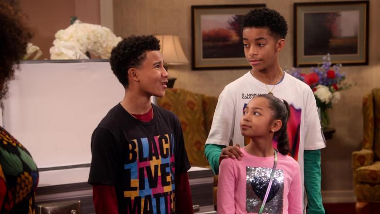 Black Lives Matter T-Shirt of Cameron J. Wright as Mazzi McKellan in Family Reunion S03E07 (2)