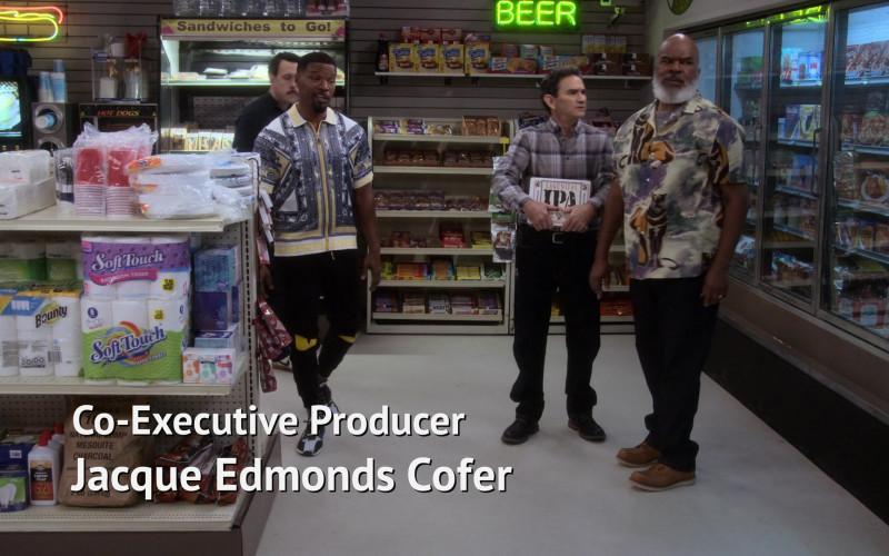 Bounty Paper Towels and Lagunitas IPA in Dad Stop Embarrassing Me! S01E07 #RichDadWokeDad (2021)