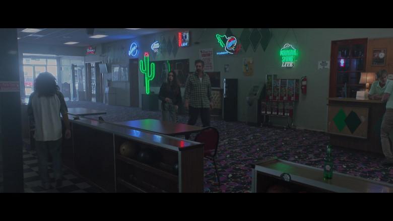 Budweiser, Blue Moon, Bud Light, Tecate Light & Miller Lite Beer Signs in Made For Love S01E05