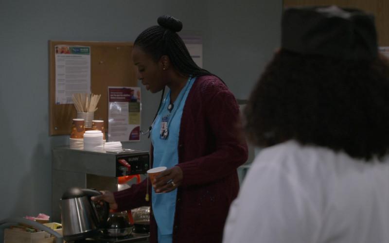 Bunn Coffee Machine in Bob Hearts Abishola S02E13 A Big African Bassoon (2021)