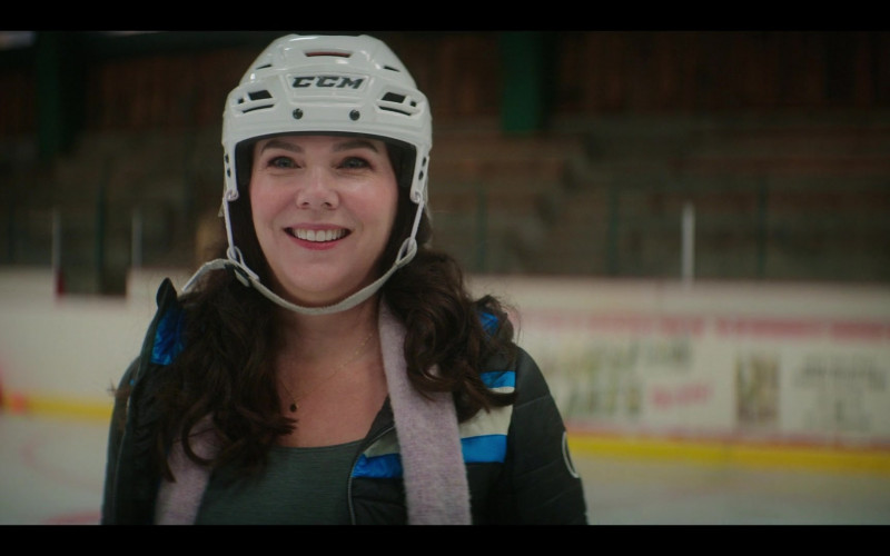 CCM Hockey Helmet of Lauren Graham as Alex Morrow in The Mighty Ducks Game Changers S01E04 (1)