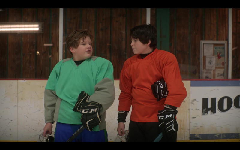 CCM Ice Hockey Gloves in The Mighty Ducks Game Changers S01E03 Breakaway (2021)