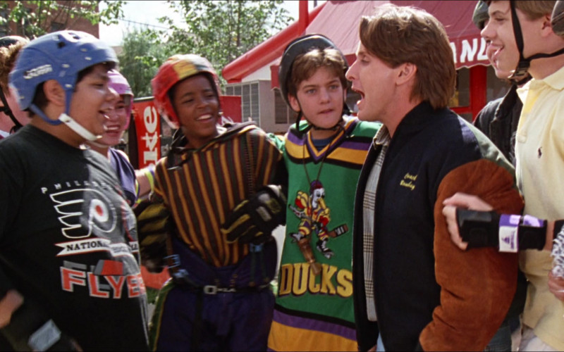 Coca-Cola Vending Machine in D2 The Mighty Ducks (1)