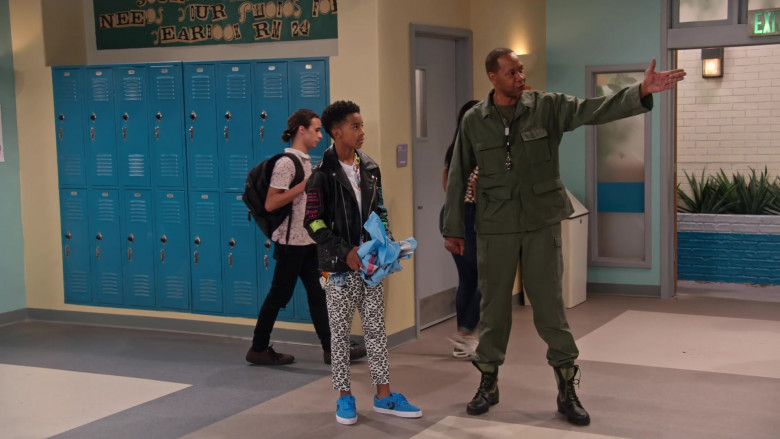 Converse Blue Sneakers of Isaiah Russell-Bailey as Shaka McKellan in Family Reunion S03E05