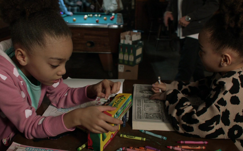 Crayola Crayons in Shameless S11E11 The Fickle Lady is Calling it Quits (2021)