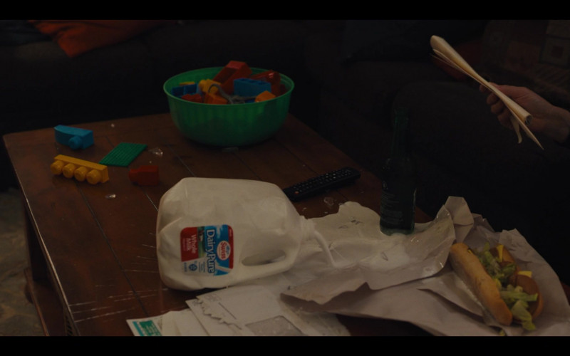 DairyPure Milk in Mare of Easttown S01E02 Fathers (2021)