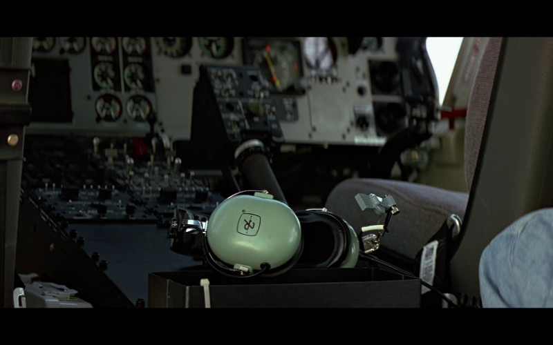 David Clark aviation headset in Clear and Present Danger (1994)