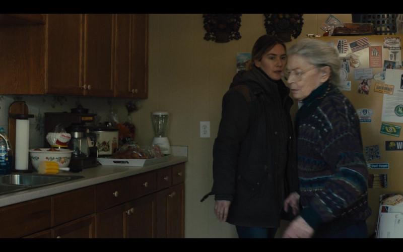 Dawn Dish Soap Ultra Dishwashing Liquid in Mare of Easttown Episode 1 Miss Lady Hawk Herself (2021)