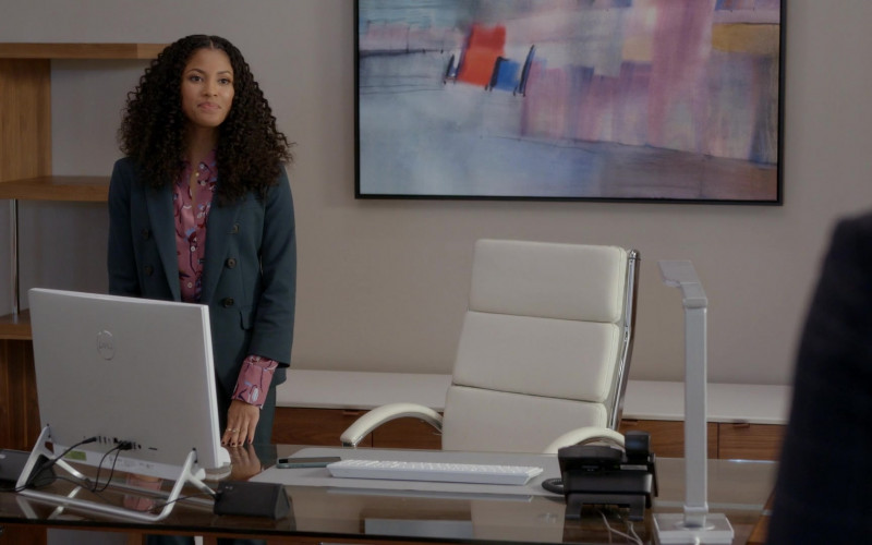 Dell All-In-One White Computer Used by Lex Scott Davis as Cassidy 'Cass' Ray in Rebel S01E02 Patient X (2021)
