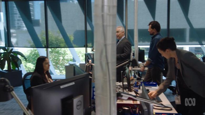 Dell Monitor in Harrow S03E09 Quam Innocentum Damnari (2021)