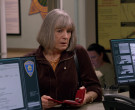 Dell Monitor in Mom S08E13 Klondike-Five and a Secret Famil...