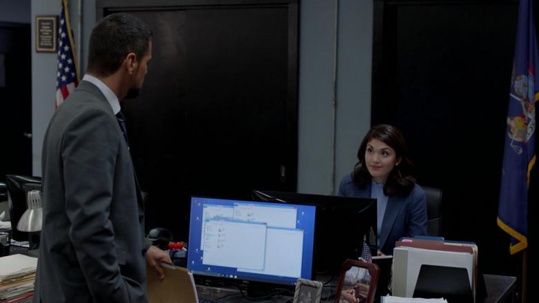 Dell Monitors in Manifest S03E01 TV Show (1)