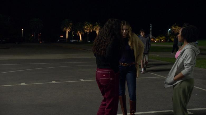 Dickies Womens Pants in Big Shot S01E03 TCKS (2021)