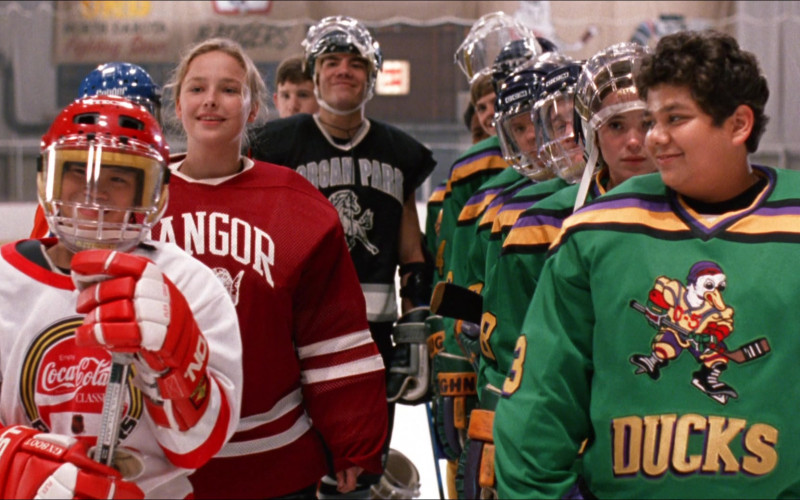 Easton Hockey Gloves and Coca-Cola in D2 The Mighty Ducks (1994)