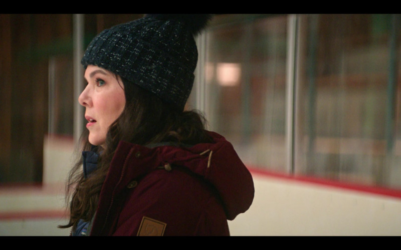 Fjallraven Women's Jacket of Lauren Graham as Alex Morrow in The Mighty Ducks Game Changers S01E04 Hockey Moms (2021)
