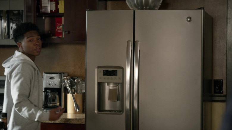 GE Refrigerator in S.W.A.T. S04E13 Sins of the Fathers (2021)