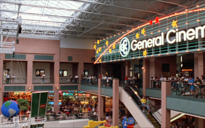 General Cinema Movie Theater in D2 The Mighty Ducks (1994)