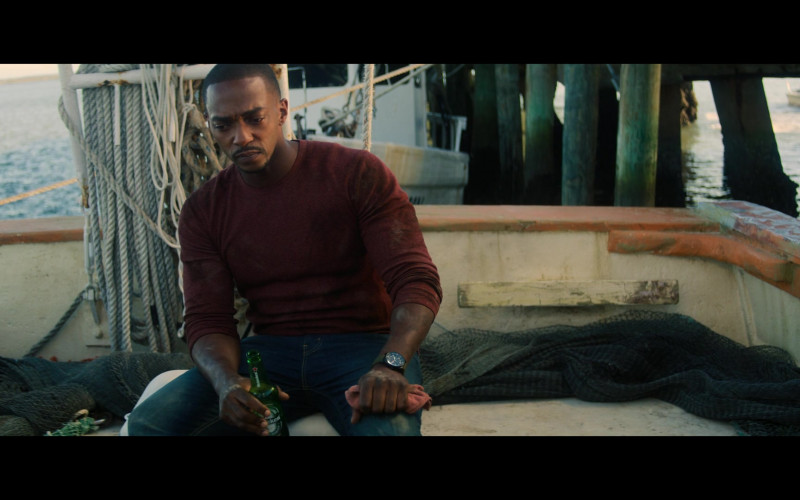Heineken Beer Enjoyed by Anthony Mackie as Sam Wilson in The Falcon and the Winter Soldier S04E11 TV Show (1)