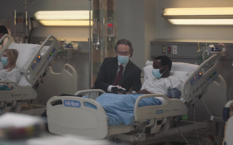 Hill-Rom Hospital Bed in New Amsterdam S03E07 The Legend of Howie Cournemeyer (2021)