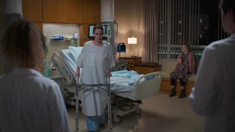 Hill-Rom Hospital Beds in The Good Doctor S04E14 (2)