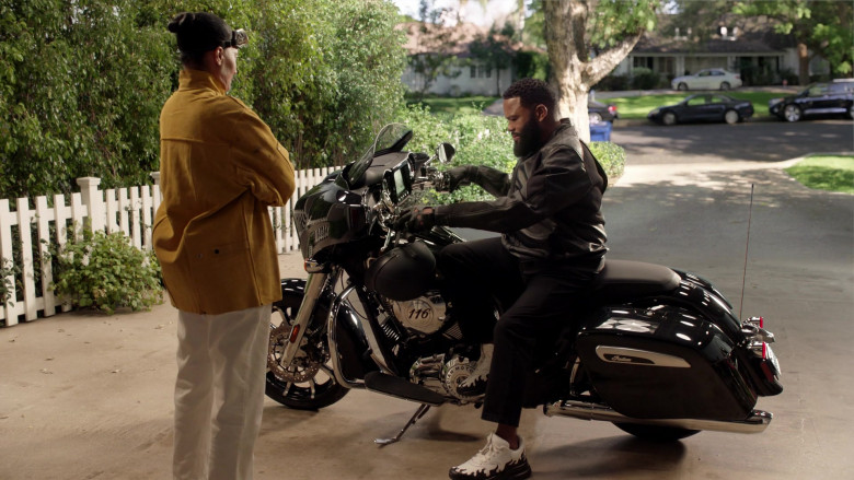 Indian Motorcycle in Black-ish S07E19 (2)