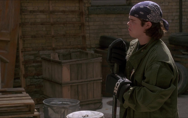 Itech Hockey Gloves Worn by Elden Henson as Fulton Reed in D3 The Mighty Ducks (1)