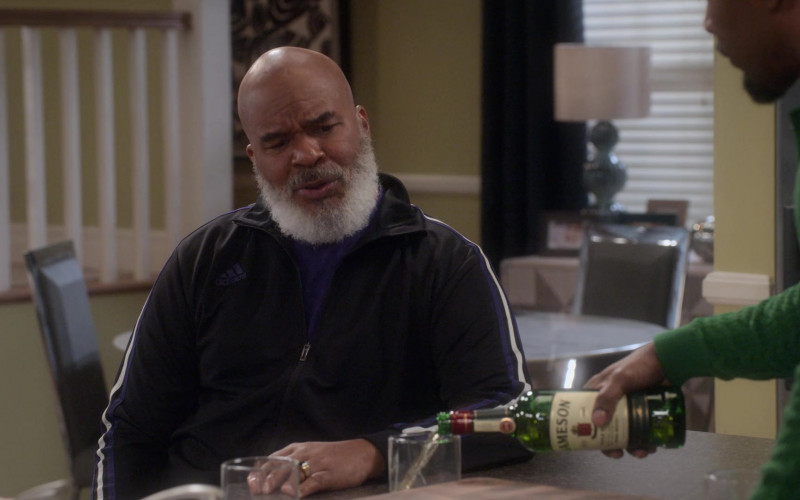 Jameson Whiskey Bottle in Dad Stop Embarrassing Me! S01E07 (1)