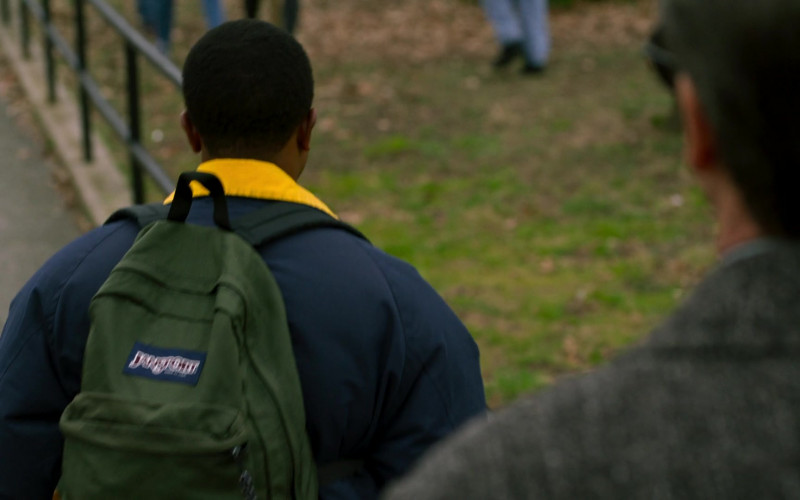 JanSport Green Backpack in City on a Hill S02E03 (1)