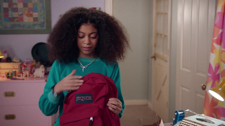 Jansport Red Backpack of Arica Himmel as Bow Johnson in Mixed-ish S02E09 TV Show 2021 (1)