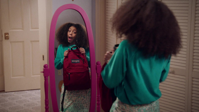 Jansport Red Backpack of Arica Himmel as Bow Johnson in Mixed-ish S02E09 TV Show 2021 (4)