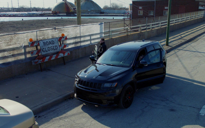 Jeep Grand Cherokee Black Car in Chicago P.D. S08E11 Signs of Violence (2021)