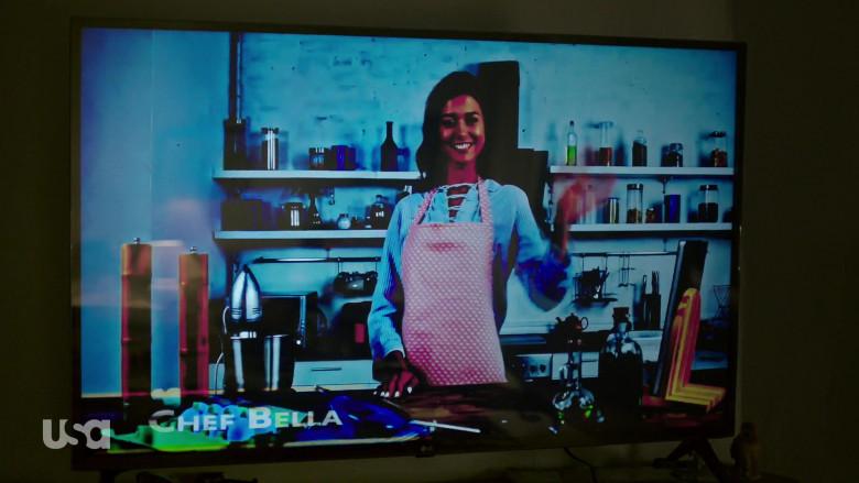 LG TV in Queen of the South S05E04 La Situacion (2021)