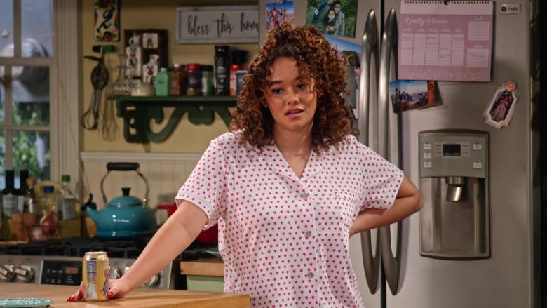 LaCroix Sparkling Water Enjoyed by Talia Jackson as Jade McKellan in Family Reunion S03E02