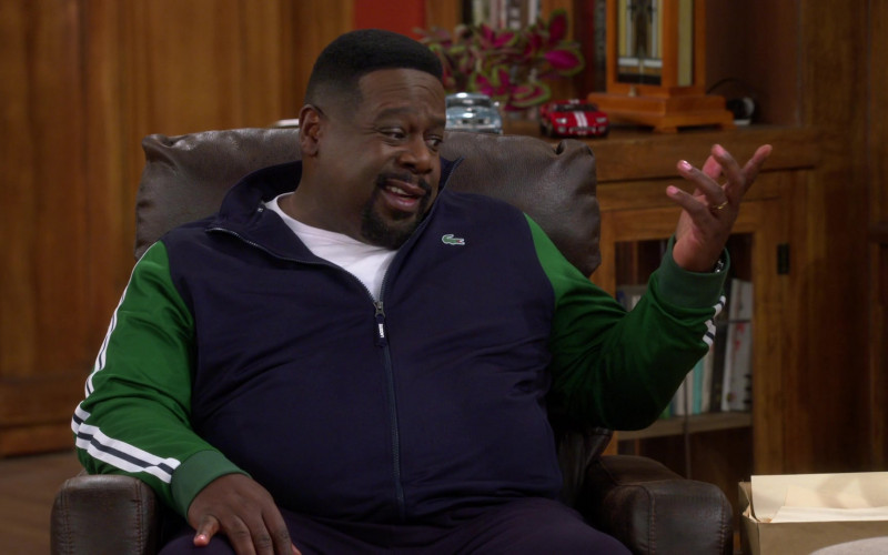Lacoste Blue-Green Track Jacket of Cedric the Entertainer as Calvin Butler in The Neighborhood S03E13 (2)