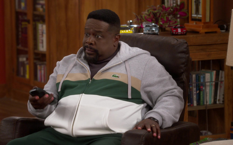 Lacoste Full-Zip Hoodie of Cedric the Entertainer as Calvin in The Neighborhood S03E13 (1)