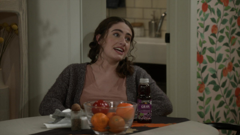 Langers Grape Juice Enjoyed by Rachel Sennott as Jackie Raines in Call Your Mother S01E09 One Bad Mother (2021)