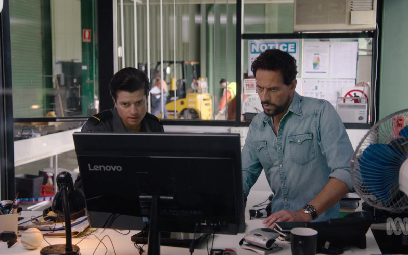Lenovo PC Monitor Used by Ioan Gruffudd as Dr. Daniel Harrow in Harrow S03E10 TV Show 2021 (2)