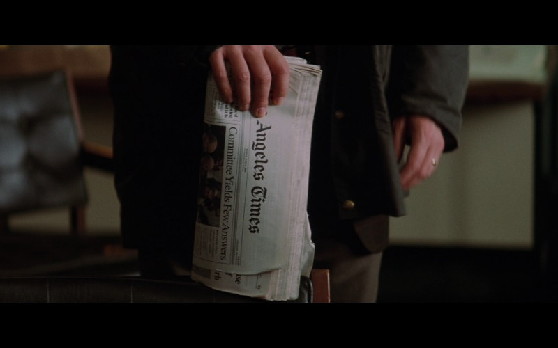 Los Angeles Times newspaper in Insomnia (2002)