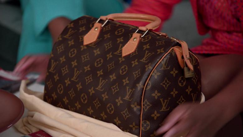 Louis Vuitton Handbag of Tika Sumpter as Alicia Johnson in Mixed-ish S02E09 TV Show 2021 (1)