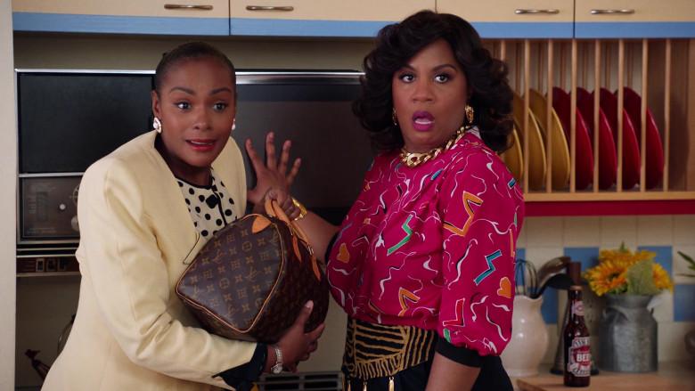 Louis Vuitton Handbag of Tika Sumpter as Alicia Johnson in Mixed-ish S02E09 TV Show 2021 (11)