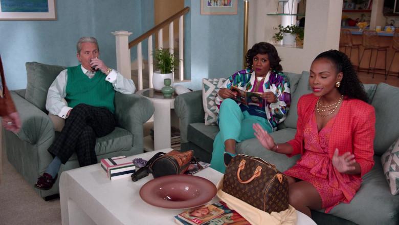 Louis Vuitton Handbag of Tika Sumpter as Alicia Johnson in Mixed-ish S02E09 TV Show 2021 (6)