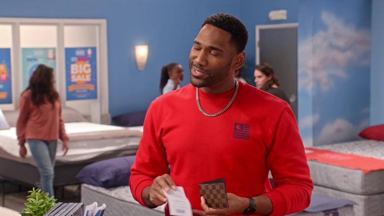 Louis Vuitton Wallet of Anthony Alabi as Moz McKellan in Family Reunion S03E06